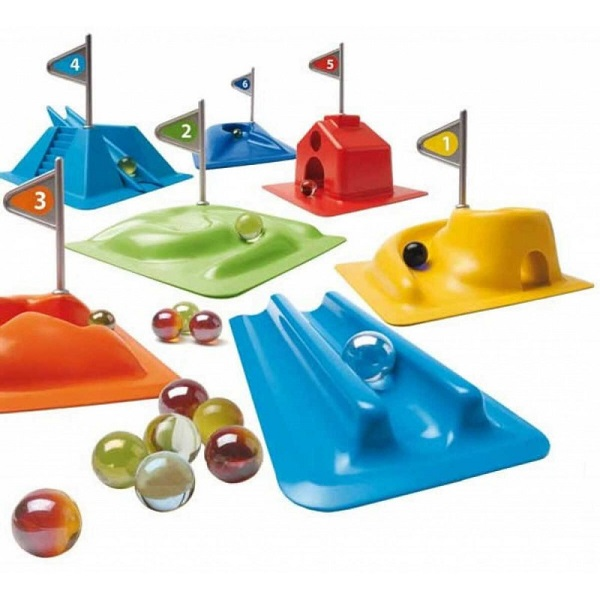 Minigolf con canicas